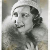 Фотография модели в шапочке от Агнес.
