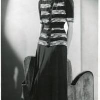 """Фотография модели в черно-белом платье """"Cri-cri"""" (""""Сверчок"""") от Хелен Хуберт"""