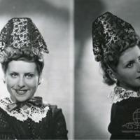 Фотография модели в экстравагантном головном уборе от Агнес