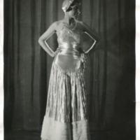 Фотография модели в пижаме/ночной рубашке от Не-Агне (Nie-Agne).