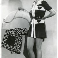 """Фотография модели в пляжном костюме """"Babiole"""" (""""Безделушка"""") от Жана Фареля"""